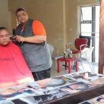 Barber Gives Free Haircuts to Blind Matric Pupils